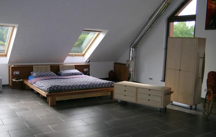 Chambres coucher menuiserie b nisterie aire de jeux for Decorer chambre a coucher